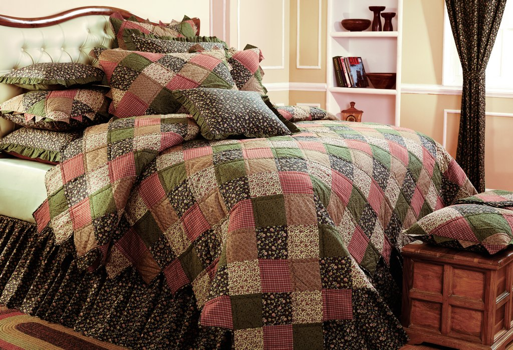Indianapolis IN heirloom bedding